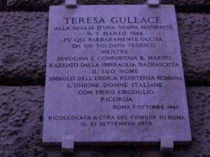 Targa,Viale Giulio Cesare, lato caserma fronte civico 83